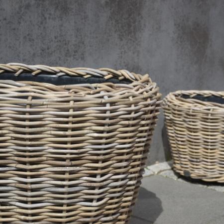 Pflanzenkübel aus Rattan Kubu CL mit Plastikeinsatz